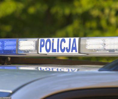 Łódź. Agresywny wandal pobił dziewczynkę, uszkodził tramwaj i 11 aut