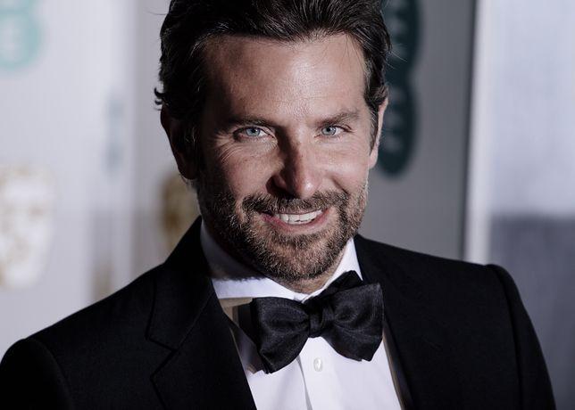 Bradley Cooper widziany na plaży z tajemniczą brunetką