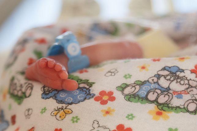 Warszawa. Straż miejska eskortowała do szpitala rodzącą kobietę