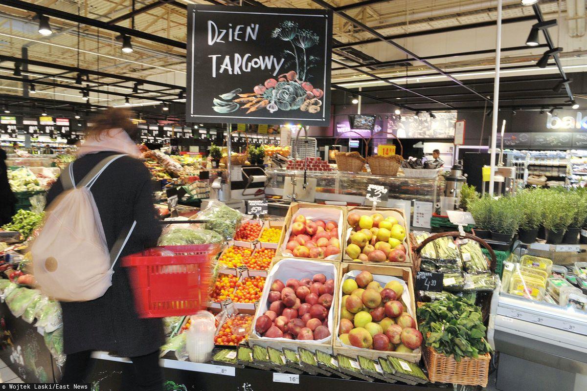 Warzywa w promocji ostro poszły w górę. Najbardziej skoczyły ceny cebuli, ziemniaków i selera