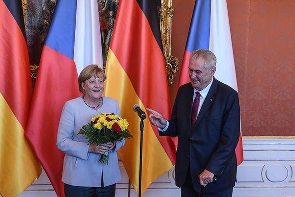 Odmienne stanowiska Niemiec i Czech w sprawie uchodźców