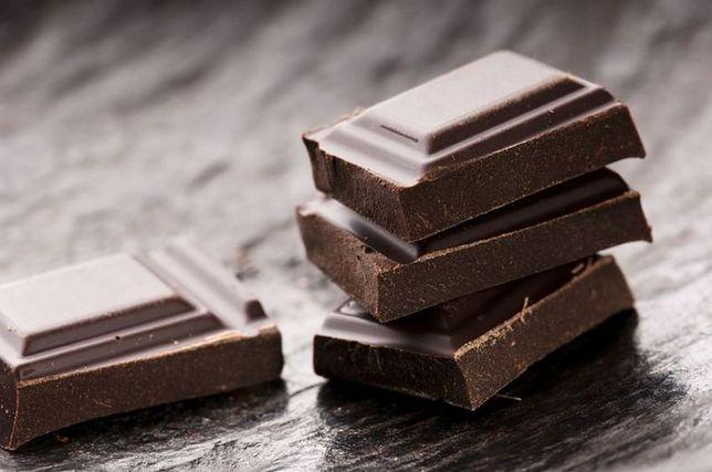 Kilka kostek czekolady poprawi nastrój jesienią