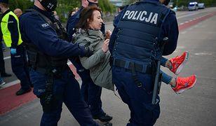 Mariusz Kamiński pisze do policji w sprawie użycia gazu w Warszawie