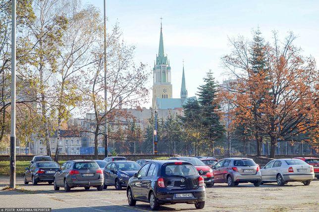 Łódź. Kuria z udziałami w gminnej spółce, jest doniesienie do prokuratury