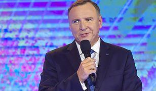 Jacek Kurski największą gwiazdą ramówki TVP. Na scenie pozwolił sobie na prywatę
