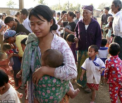 Uchodźcy w Myitkyinie w północnej Mjanmie, w lutym 2012 roku