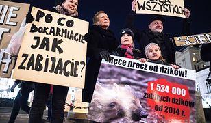 Protest obrońców zwierząt przed Pałacem Prezydenckim