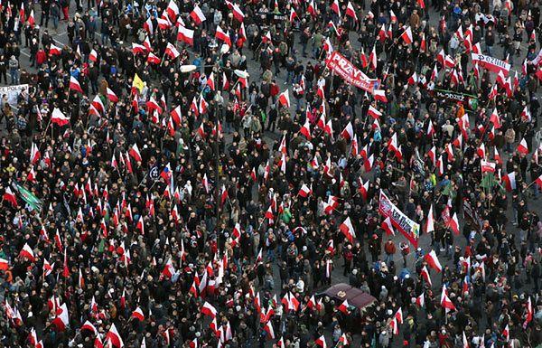 """""""Rz"""": wyceniono straty po """"Marszu Niepodległości"""", kto zapłaci?"""