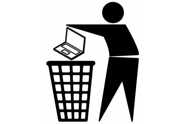 Na lotniskach będą konfiskować nienaładowane laptopy