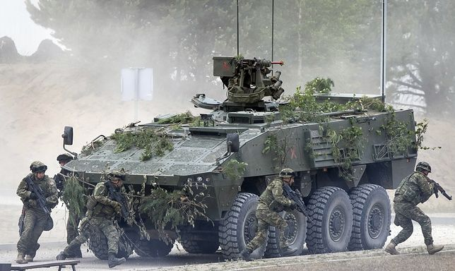 Litwa i Polska wpuściły na drogi kierowców z armii USA. Nie obeszło się bez wstydliwych wypadków