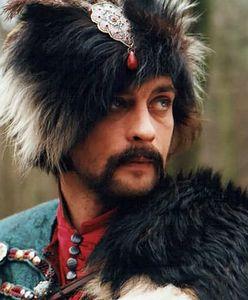 Aleksander Domogarow już nie wygląda jak Bohun. Polki za nim szalały