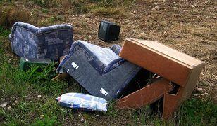 Katowice. Miasto ma dość wielkogabarytowych śmieci, będzie uczyć je segregować