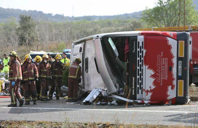 Wypadek autokaru w Hiszpanii. Zginęło 13 osób