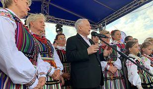 """Jarosław Kaczyński podczas Pikniku Rodzinnego. """"Dziękuję za to, że jesteście i angażujecie się w sprawy ojczyzny"""""""
