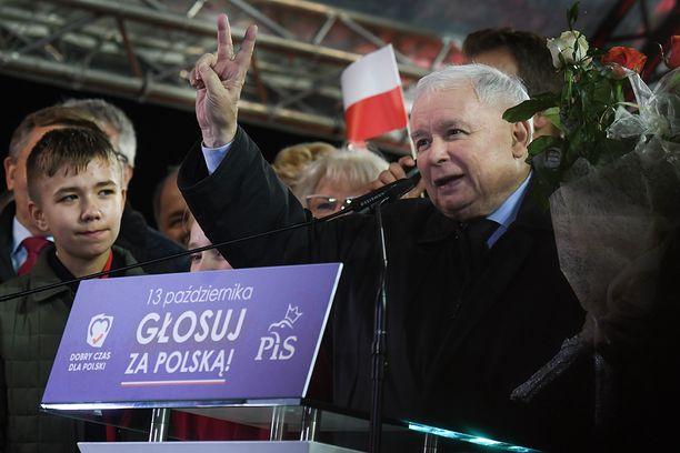 Jarosław Kaczyński może być zadowolony po publikacji nowego sondażu dla WP (Photo by Artur Widak/NurPhoto via Getty Images)
