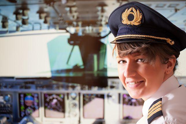 Kolejny przewoźnik lotniczy stawia na kobiety. Całe załogi utworzone z pań