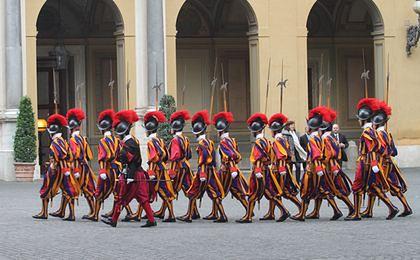 Watykan: przysięga gwardzistów szwajcarskich