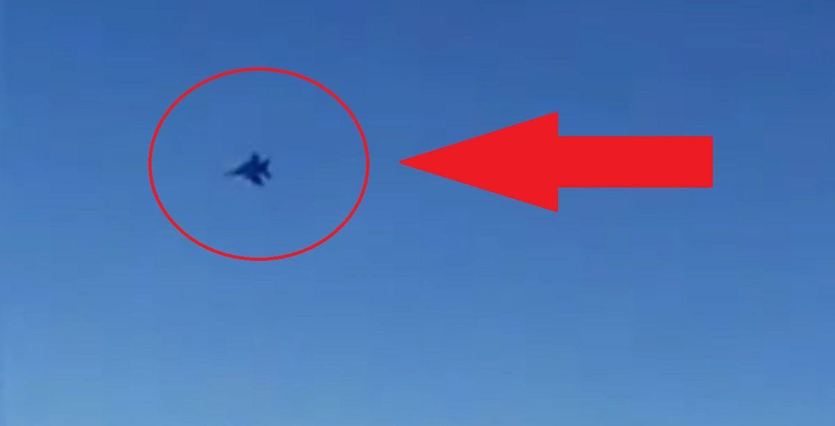 Myśliwce USA zbliżyły się do irańskiego samolotu. Panika na pokładzie [Zobacz wideo]