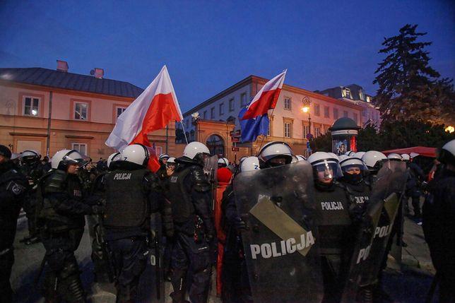 Marsz Niepodległości 2019. Stołeczny ratusz uważa, że jego uczestnicy skandowali niedopuszczalne hasła