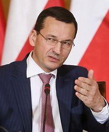 """Rządowi zależy na słabym złotym. """"Kurs jest korzystny"""" twierdzi Morawiecki"""