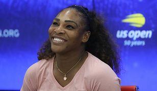 Serena Williams założyła obcisły strój na kort. Dobrała do tego kabaretki
