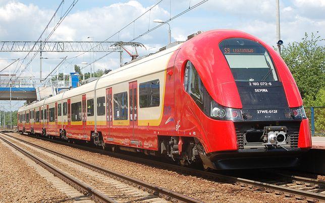 Kobieta wpadła pod pociąg na stacji PKP Ursus