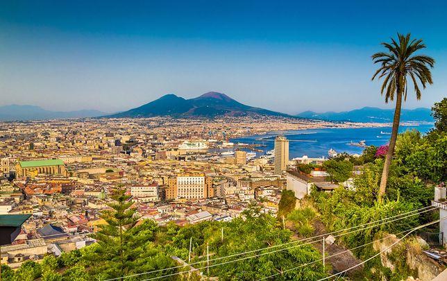 Aktywne wulkany w pobliżu miast - Wezuwiusz (Neapol, Włochy)