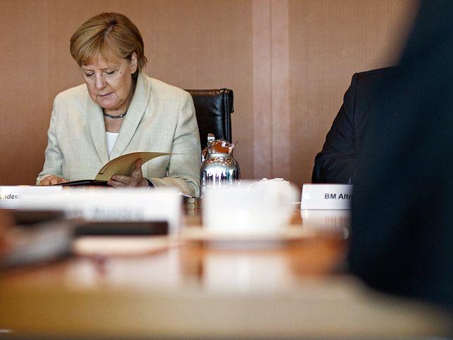 """Angela Merkel mówiła wcześniej, że choć zależy jej na dobrych relacjach z Warszawą, """"nie może trzymać języka za zębami"""""""