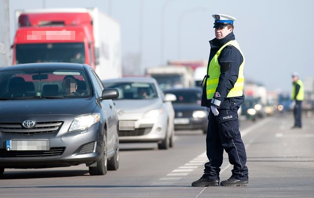 Policjanci będą sprawdzać zachowanie kierowców - należy spodziewać się kilku radiowozów na krótkim odcinku