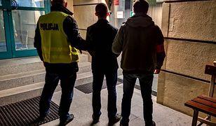 Policja ujęła 21-latka. Wcześniej zatrzymano 2 mężczyzn związanych z atakiem w centrum Warszawy