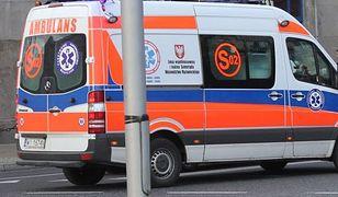 Zderzenie karetki z taksówką, zmarł noworodek. Policja szuka świadków