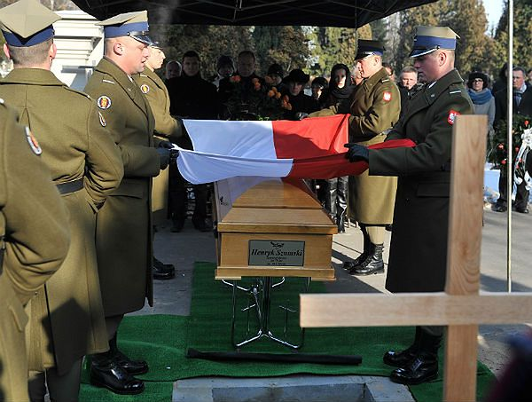 Ceremonia pogrzebowa gen. broni Henryka Szumskiego na Cmentarzu Wojskowym na Powązkach