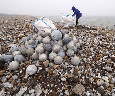 W trakcie sprzątania znaleziono blisko tonę plastikowych i aluminiowych boi
