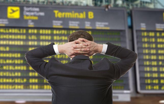 W ciągu ostatnich 2 dekad czas podróży lotniczej wydłużył się średnio o kilkanaście minut