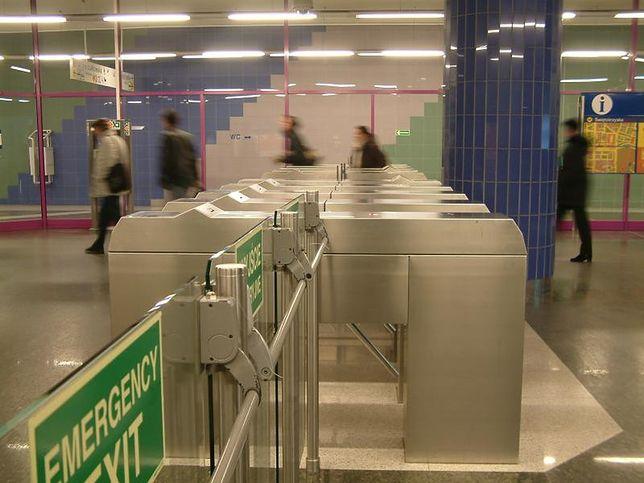 Koniec z zablokowanymi wyjściami awaryjnymi w metrze