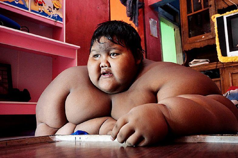 """W wieku 10 lat ważył 192 kg. Wołali na niego """"gruby"""". Dziś wygląda tak"""