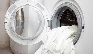 Kuchnia czy łazienka? Internauci spierają się o to, gdzie powinna stać pralka