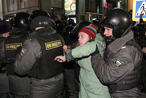 Protesty w Moskwie 7 grudnia zakończyły się interwencją policji i aresztem dla wielu osób