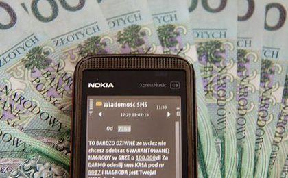 Oszustwa SMS. Do Polaków znów przychodzą podejrzane wiadomości