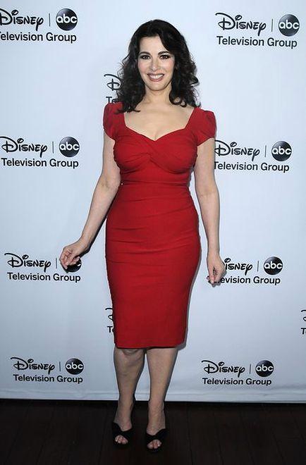 Czerwona sukienka Nigelli Lawson robi furorę