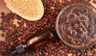 Peeling kawowy. Wykorzystaj fusy z kawy do domowego peelingu. Efekty cię zaskoczą