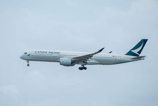 Podobna sytuacja miała miejsce na pokładzie Cathay Pacific w styczniu, kiedy pilot doznał utraty wzroku