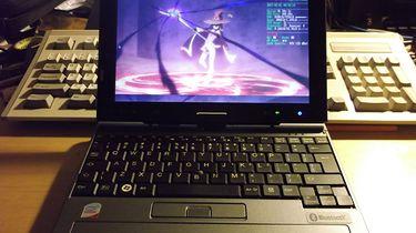 Arch Linux na netbooku z 2006? Czemu nie! - Tytułowy netbook w pełnej swojej okazałości