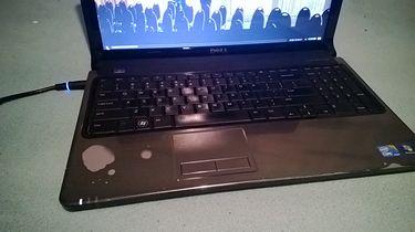 Wymiana laptopa — próba zmiany przyzwyczajeń - Przez zbyt mocne grzanie się tego laptopa, dobrze widać gdzie trzymałem dłonie podczas użytkowania xP