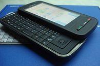 Mam dość ładowania smartfona... - Nokia C6 - mój ideał dawnego smartfona. Wytrzymały, dobra bateria, ekran dotykowy i fizyczna klawiatura