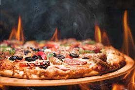 Czego nie powinieneś kłaść na pizzę? (WIDEO)