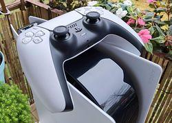 PlayStation 5 najszybciej sprzedającą się konsolą w historii USA