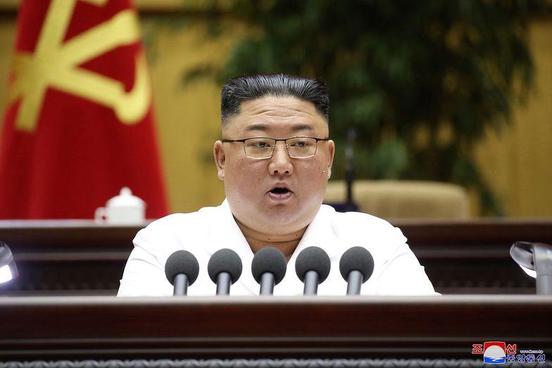 Kim Dzong Un wydał rozkaz. Mają strzelać do każdego, kogo zobaczą