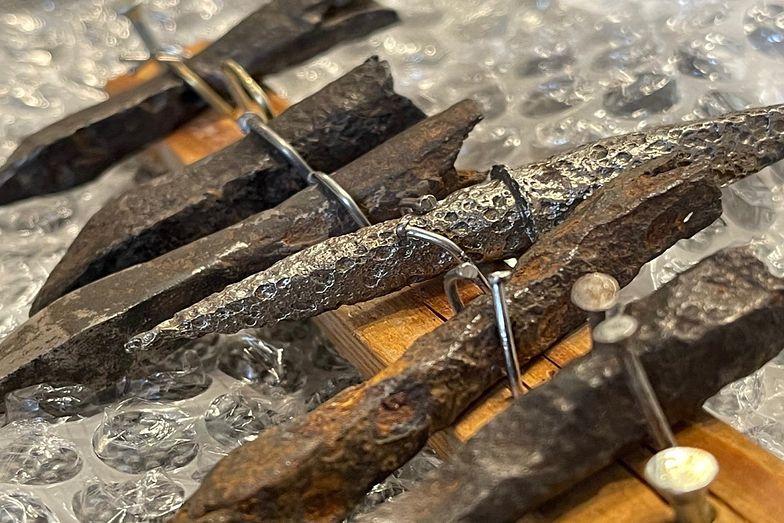 Średniowieczne zabytki trafiły na nielegalną aukcję internetową