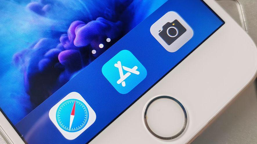 Apple wpuściło adware. 17 aplikacji zostało usuniętych z App Store